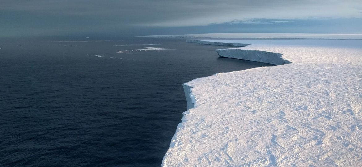 Getz-ice-shelf-Credit_Pierre-Dutrieux
